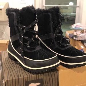Sorel Tivoli II Black women boot size 6 waterproof
